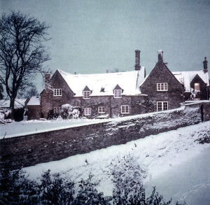 The Dower House Shipton in 1960s showing old Walnut tree before it died